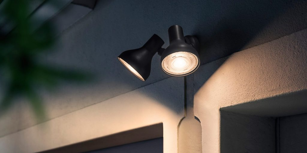 Philips Hue Ludere Outdoor Light Review