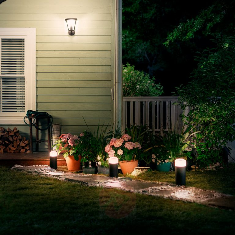 Philips Hue Outdoor Lights Review